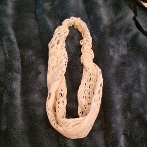 3/$10 Cream Lace Headband